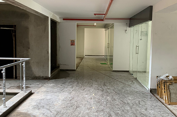 Corridor with fire-fighting line installed